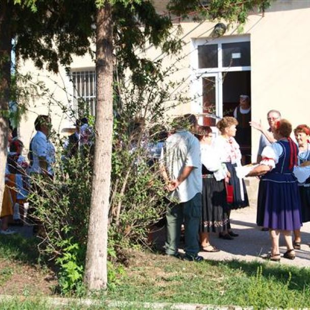 Zbežské tradície - dožinkové pásmo