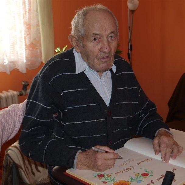 90. ročný E. Mesároš