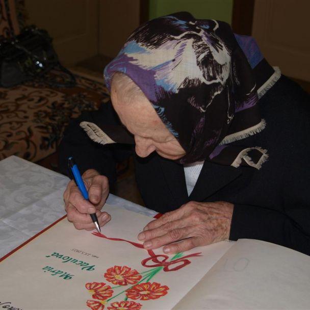 90. ročná jubilantka M. Vaculová