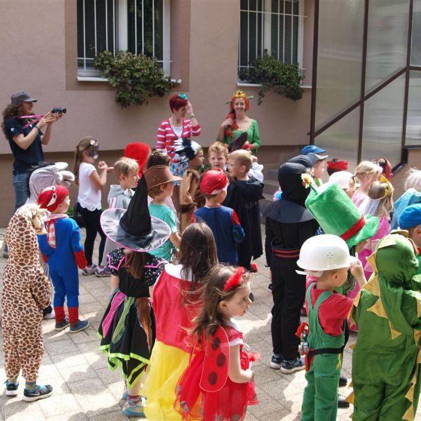 Karneval MŠ - návšteva na OÚ