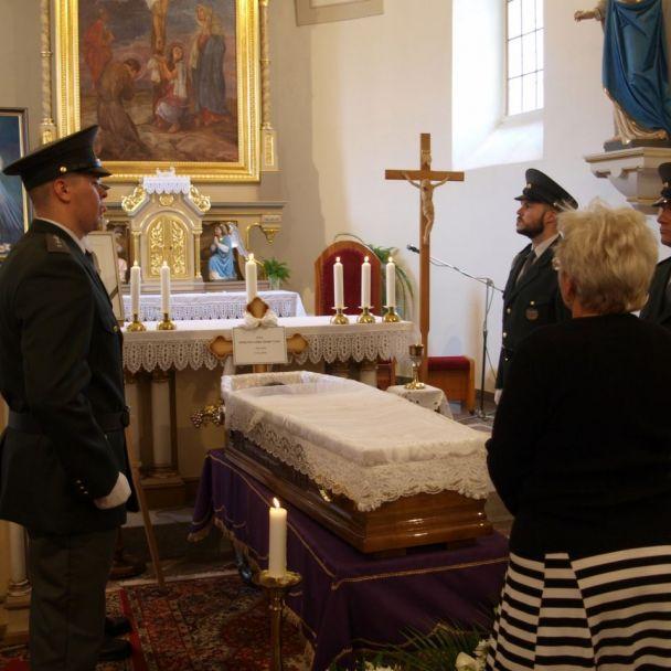 Posledná rozlúčka s otcom Edmundom