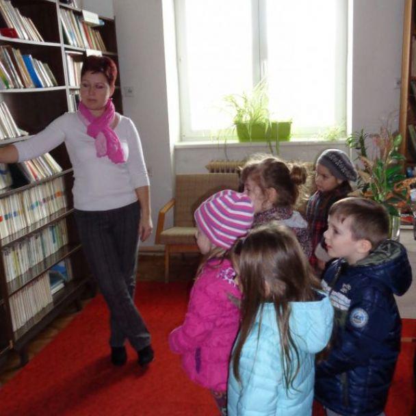 Návšteva Obecnej knižnice v Zbehoch