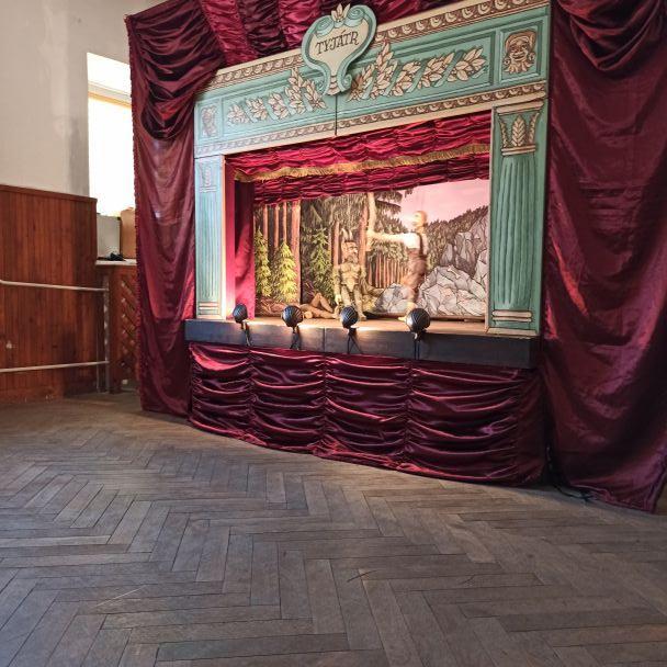 Divadlo TYJÁTR v Kultúrnom dome Zbehy